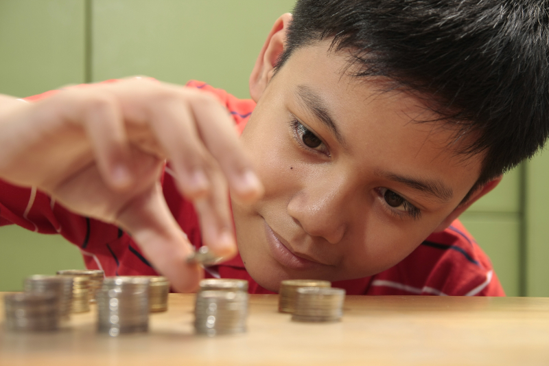 Alan Newcomb's Guiding Principles For Teaching Kids About Money